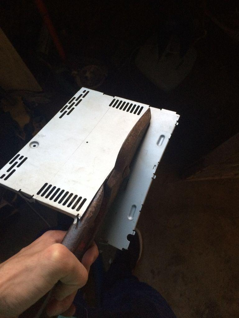 Как сделать усилитель звука в машину своими руками схема сборки устройства и его блока питания для автомобильного сабвуфера магнитолы и колонок рейтинг УМЗЧ